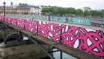 ufunk-street-art-pont-des-arts-paris-1.jpg